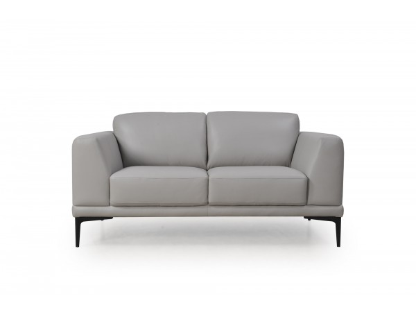 578 - Kerman Loveseat