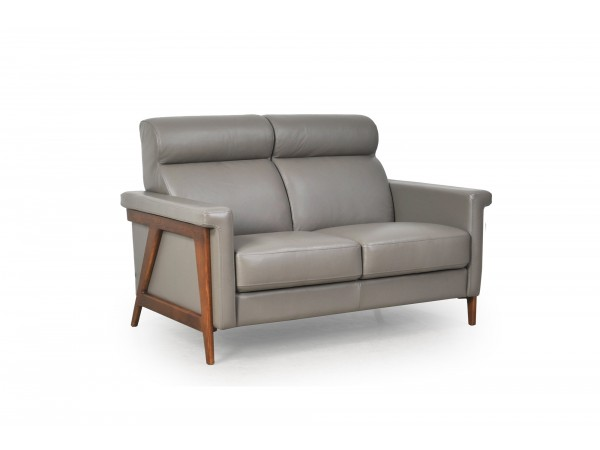 579 - Harvard Loveseat