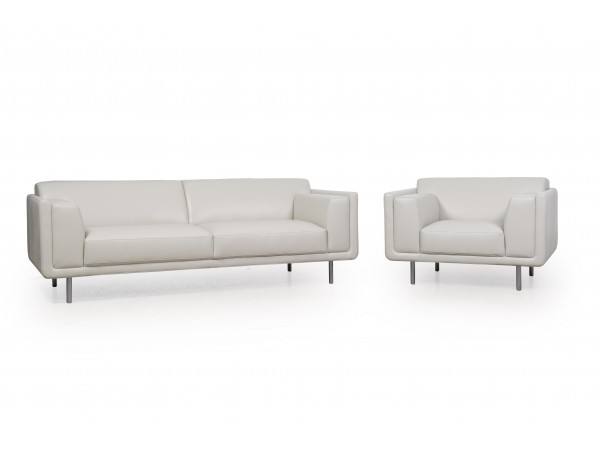 592 - Sofa and Chair Set